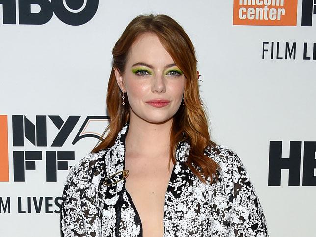 Mujer Hoy Octubre: El 'collarbone cut' de Emma Stone va a ser el corte pelo de 2019