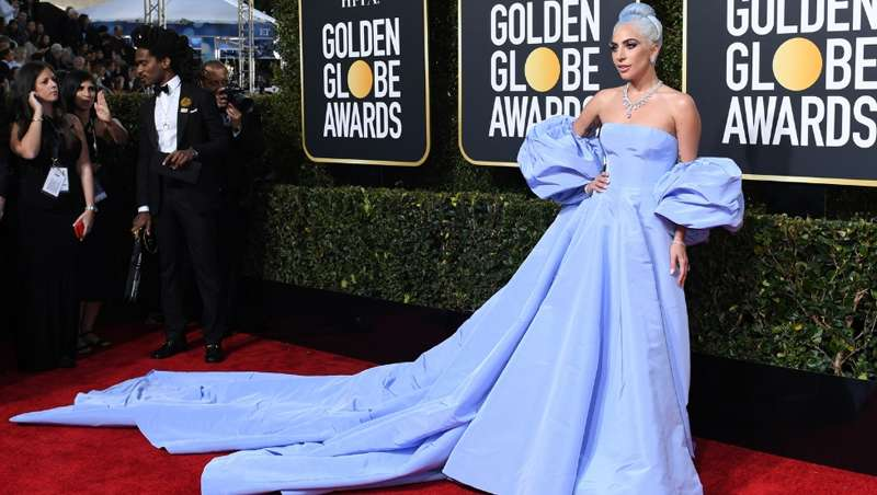 Beautymaerket: El platino y azul lavanda de Lady Gaga triunfa en los Globos de Oro